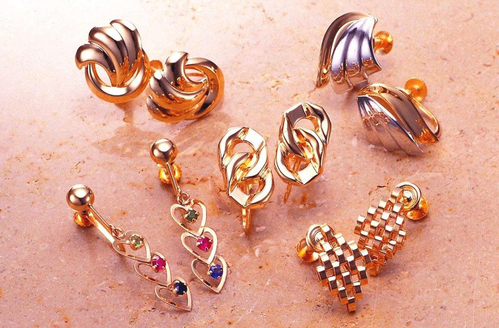 Как чистить золотое украшение с камнями в домашних условиях 819
