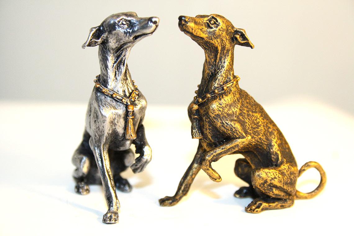 Золотые и серебряные статуэтки собаки 2018 года