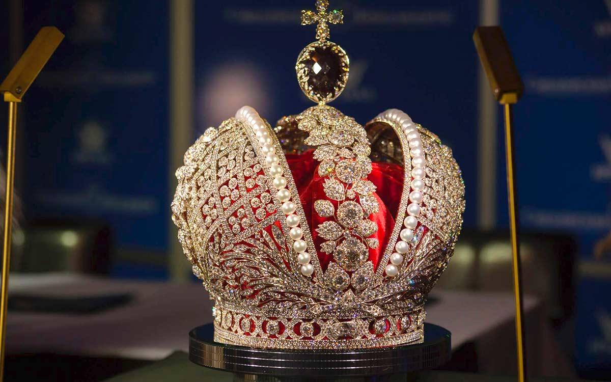 Несметные сокровища Кремлёвского Алмазного фонда